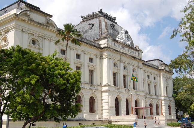 Faculdade_de_Direito_da_Universidade_Federal_de_Pernambuco_2.jpg
