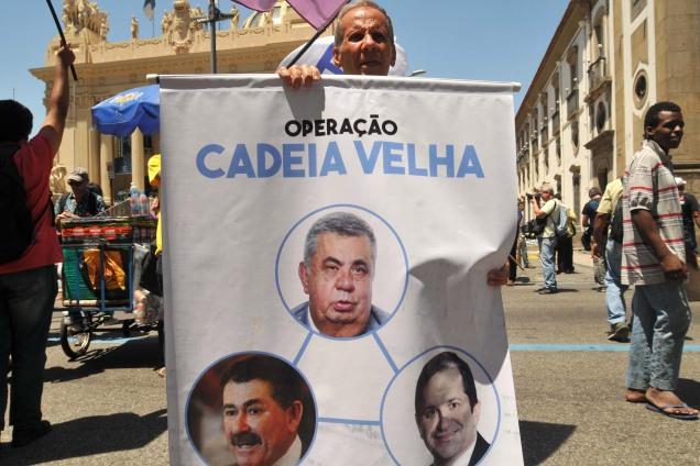Manifestação em frente à Alerj, no centro do Rio