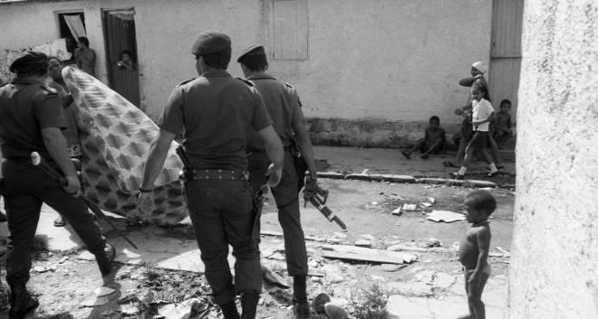 PMs na favela